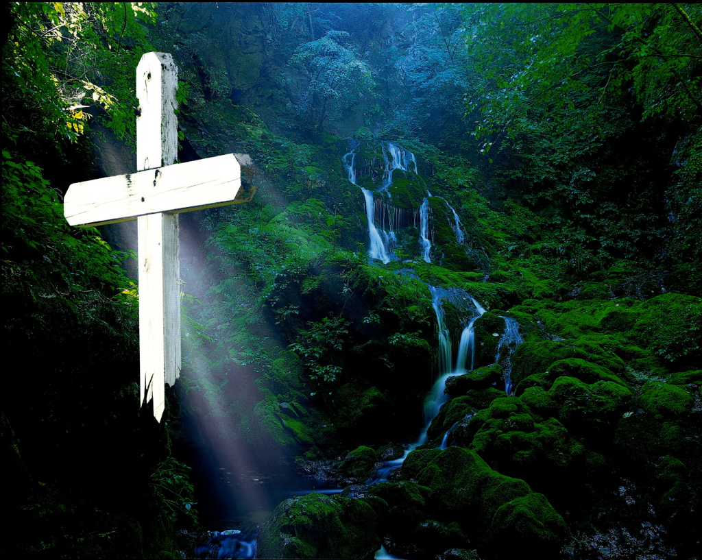 Waterfall_and_cross_1024